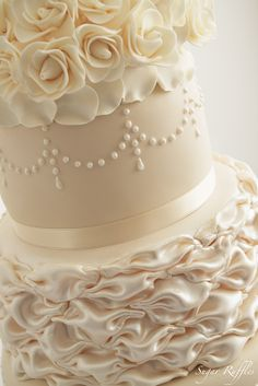Sugar Ruffles: Ivory and Champagne Wedding Cake
