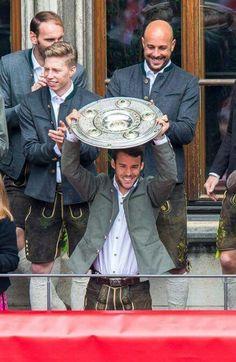 Juan Bernat #FCBayern #DeutscherMeister 2014-15
