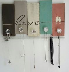 Great DIY Jewelry Holder to Make Your Jewelry More Tidy Tags: DIY Jewelry Holder Wall. - Women's Jewelry and Accessories-Women Fashion Diy Jewelry Holder Frame, Jewelry Hanger, Diy Necklace Holder, Necklace Hanger, Jewelry Wall, Jewelry Boards, Jewelry Armoire, Arte Pallet, Pallet Art