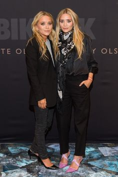 Another day, another chic moment for Mary-Kate and Ashley Olsen
