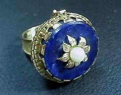 Ladies 18K yellow gold poison ring. wow. lapis and pearl