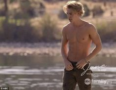 Shirtless Austin Butler does a scene in the show Switched at Birth. He plays the role of Wilke. Watch for Butler in the upcoming film My Uncle Rafael as Cody Beck. See Austin Butler Naked Here! Austin Butler Tumblr, Austin Butler Shirtless, Harris Dickinson, Hemsworth Brothers, Shannara Chronicles, George Mackay, The Carrie Diaries, Ripped Body, Hugh Dancy