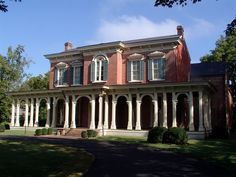 Oaklands Mansion, 1800s - went through a series of renovations