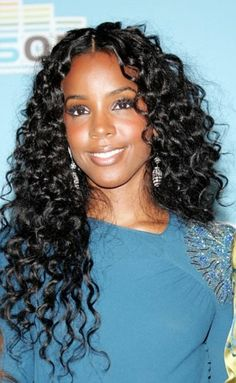 Love this curly black long hair #longhairstyle