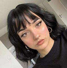 Short Black Hair Wig, Black Hair Bangs, Shoulder Length Hair With Bangs, Black Hair Cuts, Straight Black Hair, Chin Length Hair, Shoulder Hair, Short Hair Wigs, Short Hair Styles