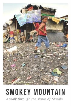 Philippines travel tips: Smokey Mountain: a walk through the slums of Manila. Click here to read more: http://www.traveling-cats.com/2015/04/cats-from-manila-philippines.html (Smokey Mountain, Philippines travel tips, slums of Manila, Manila Philippines, Manila travel tips)