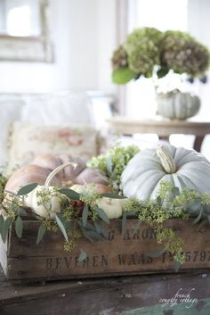 FRENCH COUNTRY COTTAGE: Simple & sweet autumn vignette decor Christmas fall home style wedding centerpiece