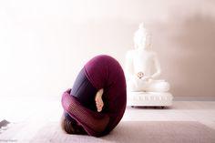 Pindasana  #yoga #ashtangayoga #pindasana #practice #modena #myshala   @pupigiulia - The Eyes