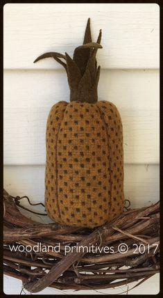 Welcome Winter and Your Guests with Pineapples and Angels Welcome Winter, Early American, Figure It Out, Primitives, Pin Cushions, Pineapple Ideas, Woodland, Reusable Tote Bags, Feed Sacks