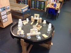 Combining stacking cups and block play Nursery Activities, Indoor Activities For Kids, Preschool Activities, Play Based Learning, Learning Spaces, Construction Area Ideas, Early Years Classroom, Tuff Spot, Block Area