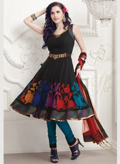 Buy Indian dresses online - the most fashionable Indian outfits for all occasions. Check out our new arrivals - the latest Indian clothes trending in Indian Bridal Fashion, Indian Wedding Outfits, Indian Outfits, Indian Weddings, Latest Salwar Suit Designs, Salwar Designs, Indian Anarkali, Indian Sarees, Indian Attire