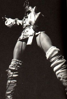 David Bowie.....Those thighs!