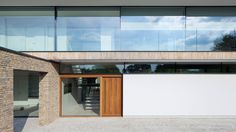 Hurst House, Bourne End, UK | Strom Architects, contemporary, house, country, modern, open plan living, luxury, inside/outside living, stone, natural materials, glass, entrance, front door, wood