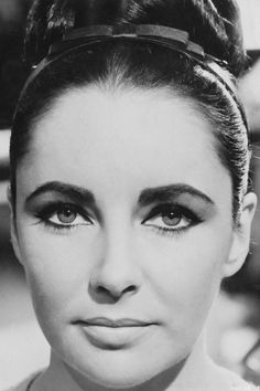 1963 Liz Taylor beautiful timeless make up
