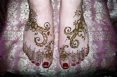 Google Image Result for http://tattooschool-art.com/Portals/138307/images/henna-tattoo.jpg