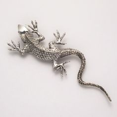 Large Textured Lizard Pin at theBIGzoo.com, a family-owned store. Check our sales & FREE Shipping.