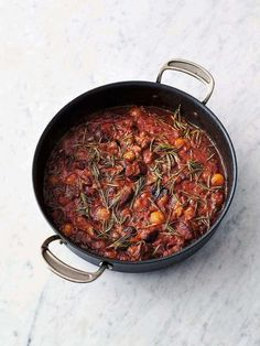 Succulent lamb stew | Jamie Oliver recipes Lamb Curry, Lamb Stew, Lamb Recipes, Soup Recipes, Healthy Recipes, Free Recipes, Jamie Oliver 5 Ingredients, 500 Calorie Dinners, Too Many Cooks