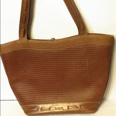 I Santi leather tote bag Gently used. Authentic. Genuine leather. I Santi  Bags Totes