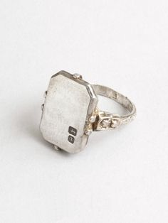 PAIGE'S PICKS: MODERN VINTAGE JEWELRY - RINGS