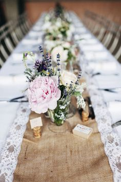 Lavender, lace and burlap come together for this gorgeous, organic rustic Provence wedding captured by Pretty Days. French Wedding, Chic Wedding, Wedding Table, Floral Wedding, Wedding Details, Wedding Styles, Rustic Wedding, Our Wedding, Wedding Flowers