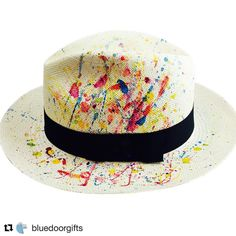 Colaborando con @bluedoorgifts   #Repost @bluedoorgifts (@get_repost)  Our  #panamahats are BACK AGAIN THIS YEAR !!! 100% authentic -made and -painted in #Ecuador #bluedoorgifts