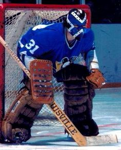 Hockey Goalie Gear, Hockey Helmet, Hockey Games, Ice Hockey, Goalie Mask, Wayne Gretzky, Pittsburgh Penguins Hockey, Edmonton Oilers, Hockey Players