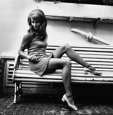 View and license Charlotte Rampling pictures & news photos from Getty Images. Charlotte Rampling, Jimi Hendrix, Asa Nisi Masa, Beautiful Legs, Beautiful People, Georgy Girl, The Night Porter, Moda Retro, Girls Slip