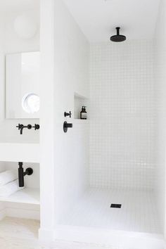 10 Competent Cool Tricks: Minimalist Home White Floors minimalist decor modern floors.Minimalist Decor Modern Floors minimalist home office layout. Minimalist Bathroom, Modern Bathroom, Small Bathroom, White Bathrooms, Bathroom Ideas, Bathroom Black, Modern Shower, Bathroom Designs, Tiled Bathrooms