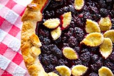 Blackberry Pie with Hazelnut/Pecan Crust