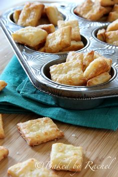 White Cheddar Cheese Crackers - bakedbyrachel.com- these look so good!