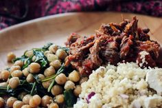 What Emily Ate: slow cooked moroccan lamb with couscous and chickpeas Slow Cooked Moroccan Lamb, Couscous How To Cook, Couscous Recipes, Kung Pao Chicken, Slow Cooker, Rice, Tasty, Treats, Chickpeas