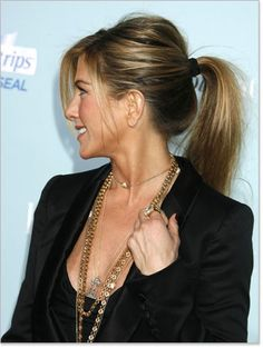 Wish my hair could look this good in a ponytail!