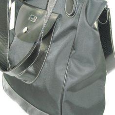 geanta mare/incapatoare, foarte incapatoare; dimensiuni generoase: 35x38x13 cm