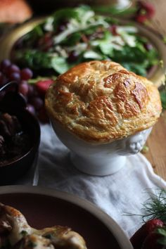 Game of Thrones: Hot Crab Pie - Feast of Starlight Game Of Thrones Food, Game Of Thrones Party, Pie Recipes, Seafood Recipes, Cooking Recipes, Drink Recipes, Crab Pie Recipe, Recipe Box, Pie Game