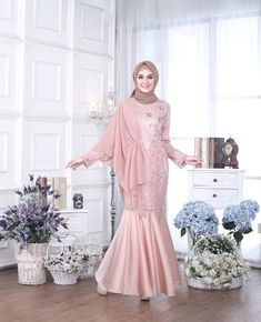 Fashion Quotes Dress Inspiration 23 Ideas For 2019 Kebaya Modern Hijab, Model Kebaya Modern, Kebaya Hijab, Kebaya Dress, Dress Pesta, Modern Hijab Fashion, Muslim Fashion, Dress Brokat Muslim, Dress Brokat Modern