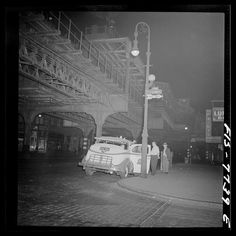 The Bowery under the Third Avenue Elevated: Capturing the soot and shadow of Old New York - The Bowery Boys: New York City History New York City Photos, New York Pictures, Old Pictures, St Marks Place, Minstrel Show, The Bowery Boys, Mott Street, Berenice Abbott, New York Museums