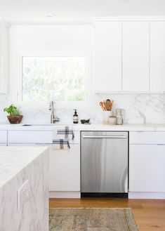 This Top Designer Specializes in White Kitchen Designs — and Here's Her Secret | Hunker #whitekitchen