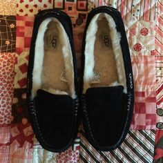 Authentic Ugg Ansley size 9.  Mostly worn inside. Black Ugg Ansley worn as slippers inside most of the time!  Very cute! UGG Shoes Flats & Loafers