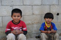 Guatemala Photo Of The Day – Boys On The Curb