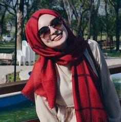 Hijabi Girl, Girl Hijab, Hijabs, Hijab Fashion, Fashion Outfits, Conservative Fashion, Muslim Beauty, Muslim Women Fashion, Designer Party Wear Dresses