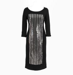 Trikotažna haljina sa dugim rukavima Haljina sa dugim rukavima. Ova haljina je napravljena od prirodnih materijala u kombinaciji sa 4% elastina pa će veoma lako pratiti vašu figuru. Dizajn haljine krasi kombinovani kroj sa mešanjem različitih materijala.