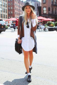 meia aparente look street style camisa oversized chapeu
