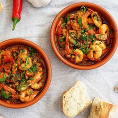 Gambas Pil Pil, Food N, Food And Drink, Tapas, Gourmet Recipes, Cooking Recipes, Spanish Kitchen, Food Inspiration, Seafood
