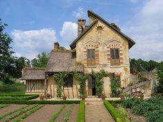 Marie's house: Emerald*Boy, via Flickr