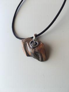 Holzanhänger - Holzschmuck Kette Holzanhänger mit Metallherz - ein Designerstück von Koenigswurzeln bei DaWanda