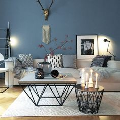 ▷ 1001 + ideas for modern and stylish deco for living room- ▷ 1001 + Ideen für moderne und stilvolle Deko für Wohnzimmer deco living room, blue wall, round and square coffee table, candles and vases - Furniture Layout, Table Furniture, Home Furniture, Furniture Design, Room Interior, Interior Design Living Room, Living Room Decor, Living Rooms, Apartment Living