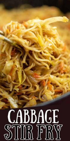 Homemade Stir Fry Sauce, Homemade Ramen, Broccoli With Garlic Sauce, Broccoli Tofu, Cabbage Stir Fry, Fried Cabbage, Sauteed Cabbage, Stir Fry Recipes, Cooking Recipes