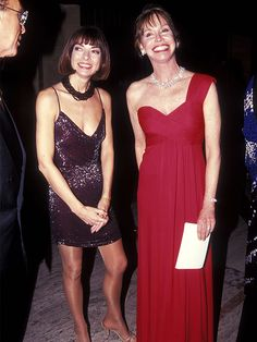Anna Wintour's '90s Style Is TOTALLY Unrecognizable via @WhoWhatWearUK
