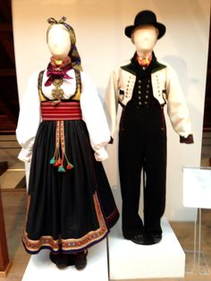 Beltestakk from Telemark and men's bunad also from Telemark. Norway In A Nutshell, Costumes Around The World, Character Creation, Folk Costume, Oslo, Traditional Outfits, Vintage Photos, Bridal Dresses, Scandinavian