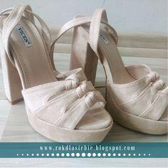 Buty na wiosnę, czyli kwietniowe zakupy Platform, Heels, Fashion, Heel, Moda, Fashion Styles, Shoes Heels, Fasion, Heel Boot